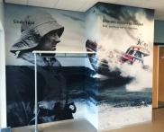 Indoor signing entree hoffdkantoor IJmuiden